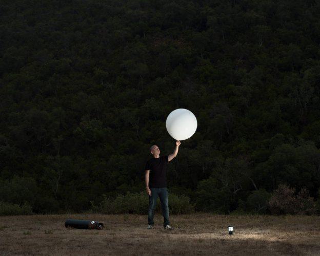 estudo com garrafa de gás helio | 40x50cm | 3 + 1 P.A.